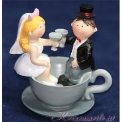 Brautpaar in Tasse